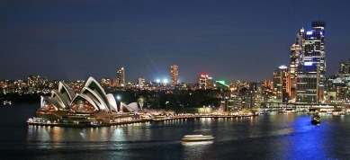 Sydney - an example of cities' typical love of ALAN. When has pollution ever looked so fetching?