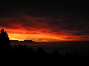Sunrise_red-yellow_glow